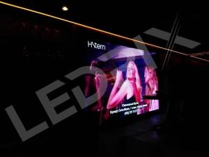 Светодиодный экран P2 3 x 2 м